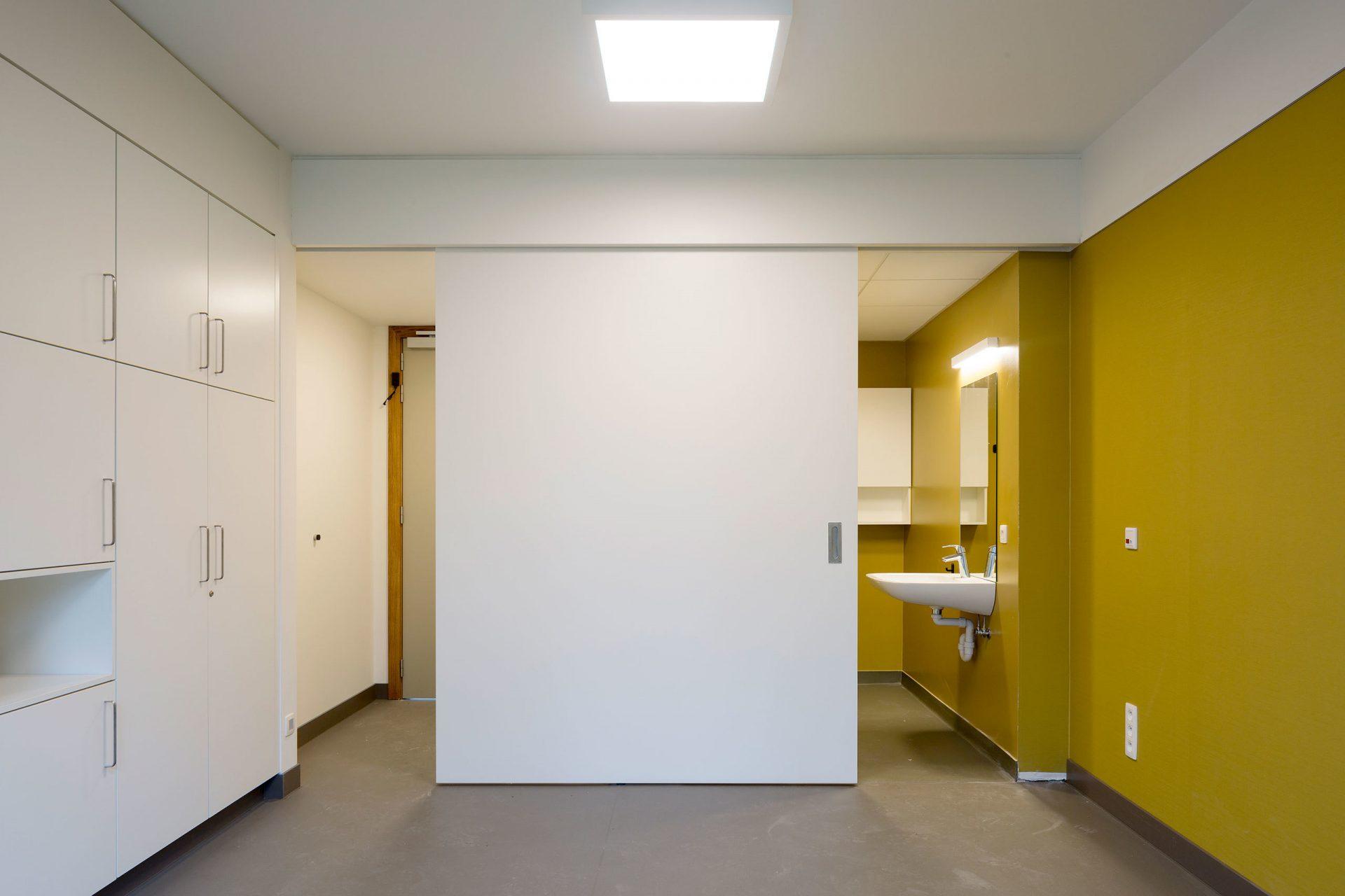 Machelen Room Door Half