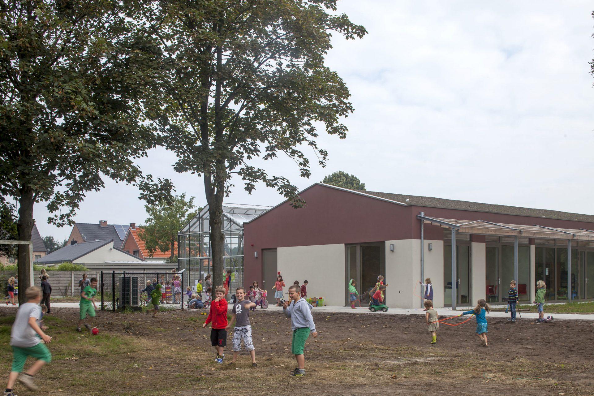 Lille Herentals Basisschool Kinderen Buiten Spelen