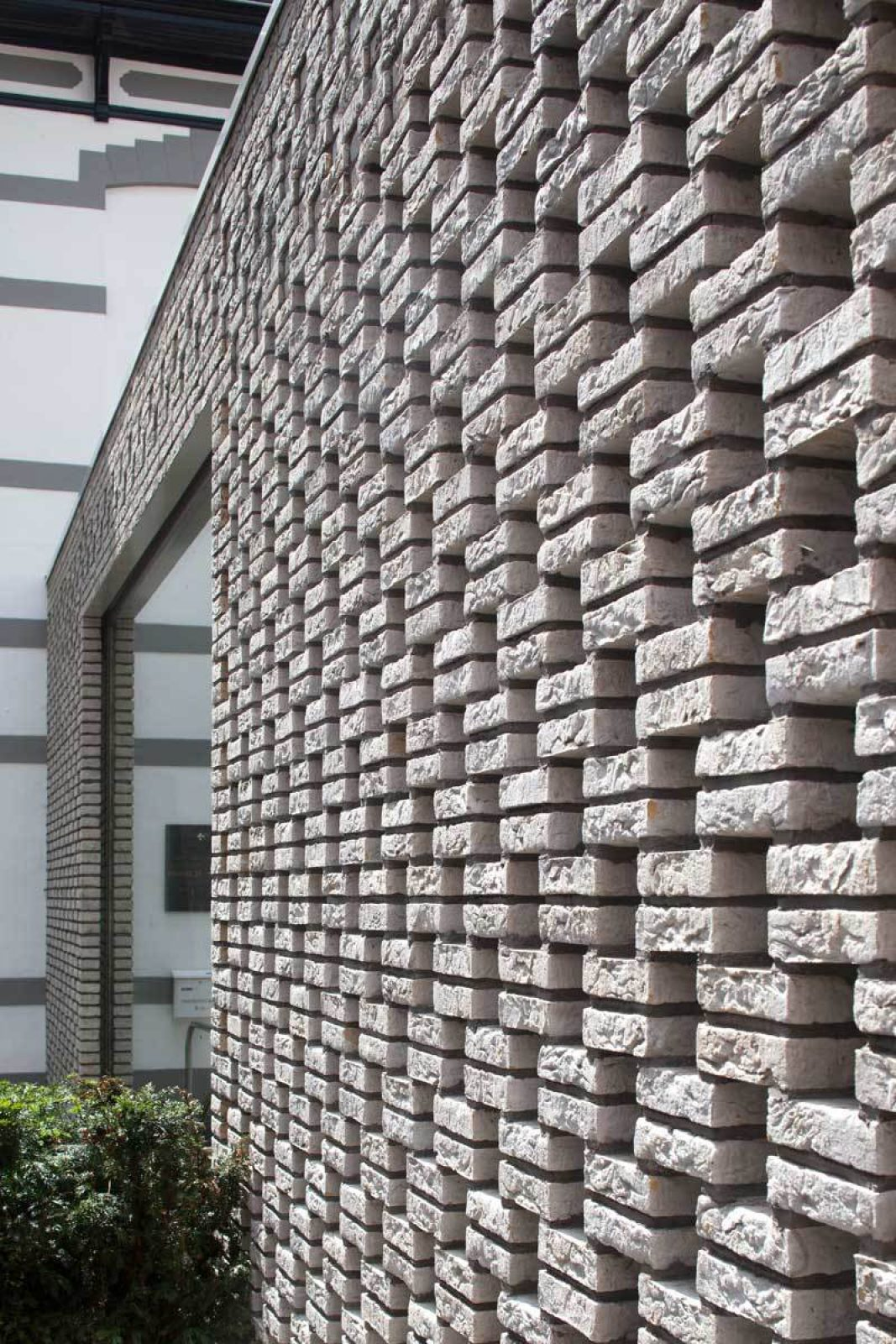 Mondrian Brick Detail