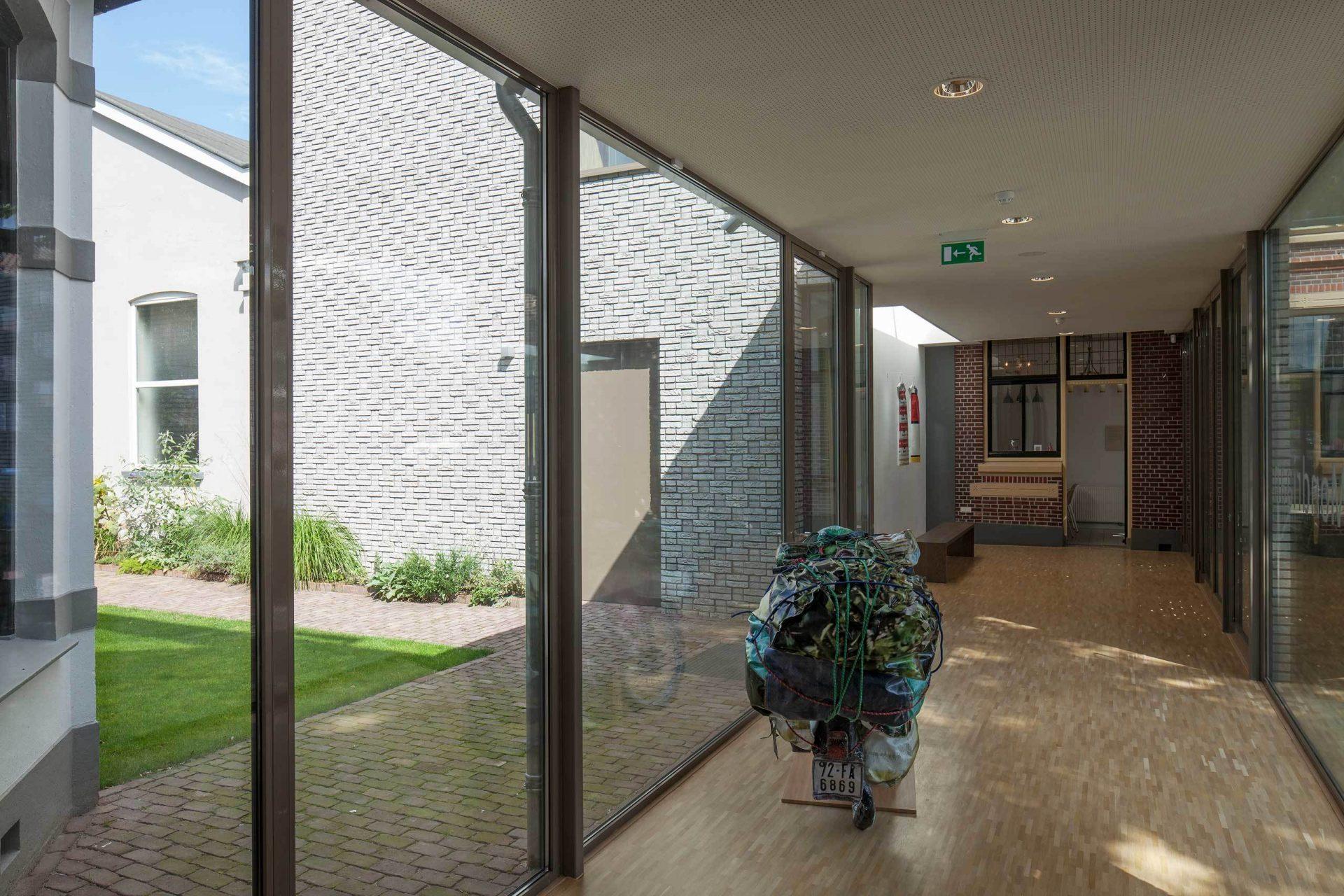 Mondrian Corridor