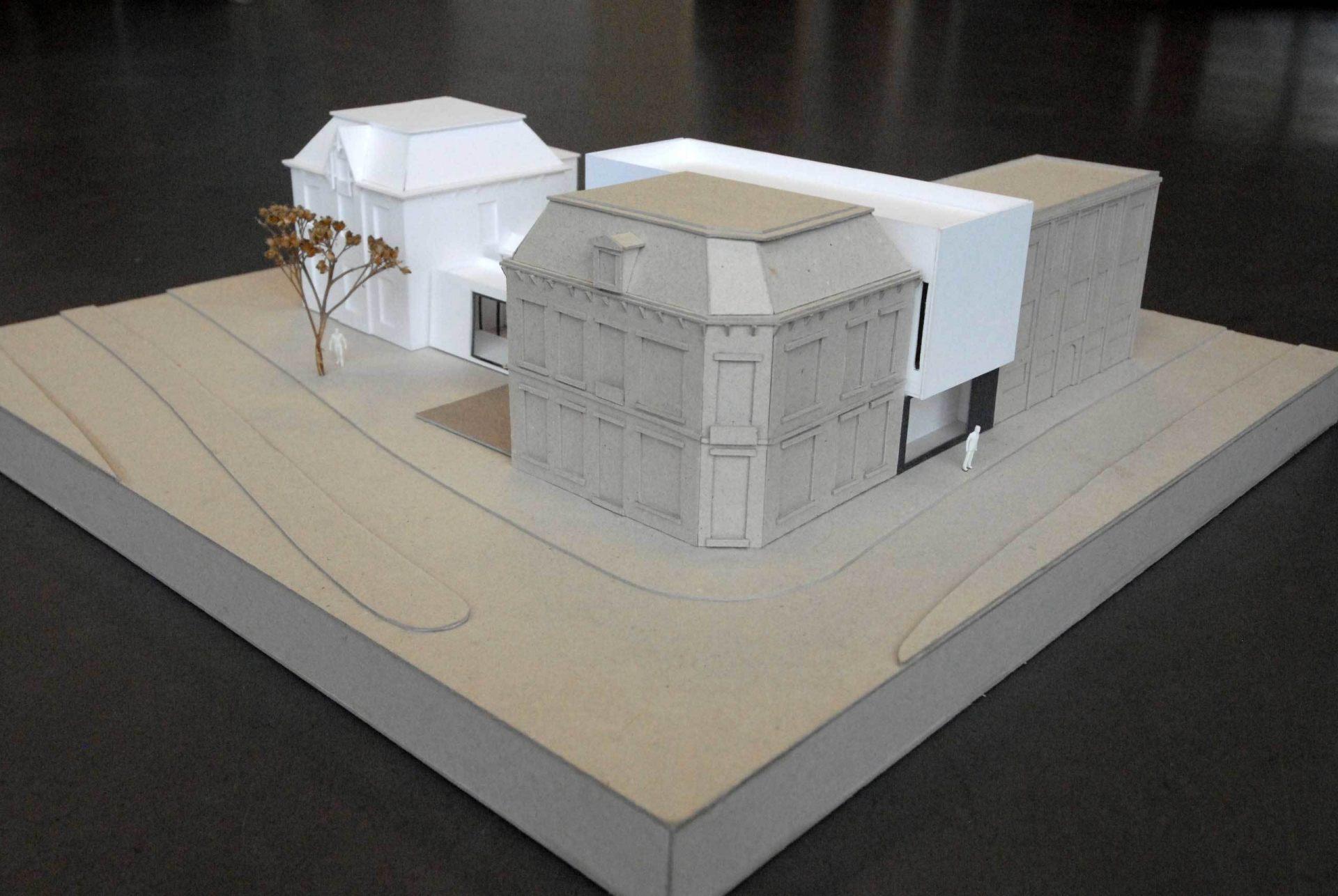 Mondrian Model Corner