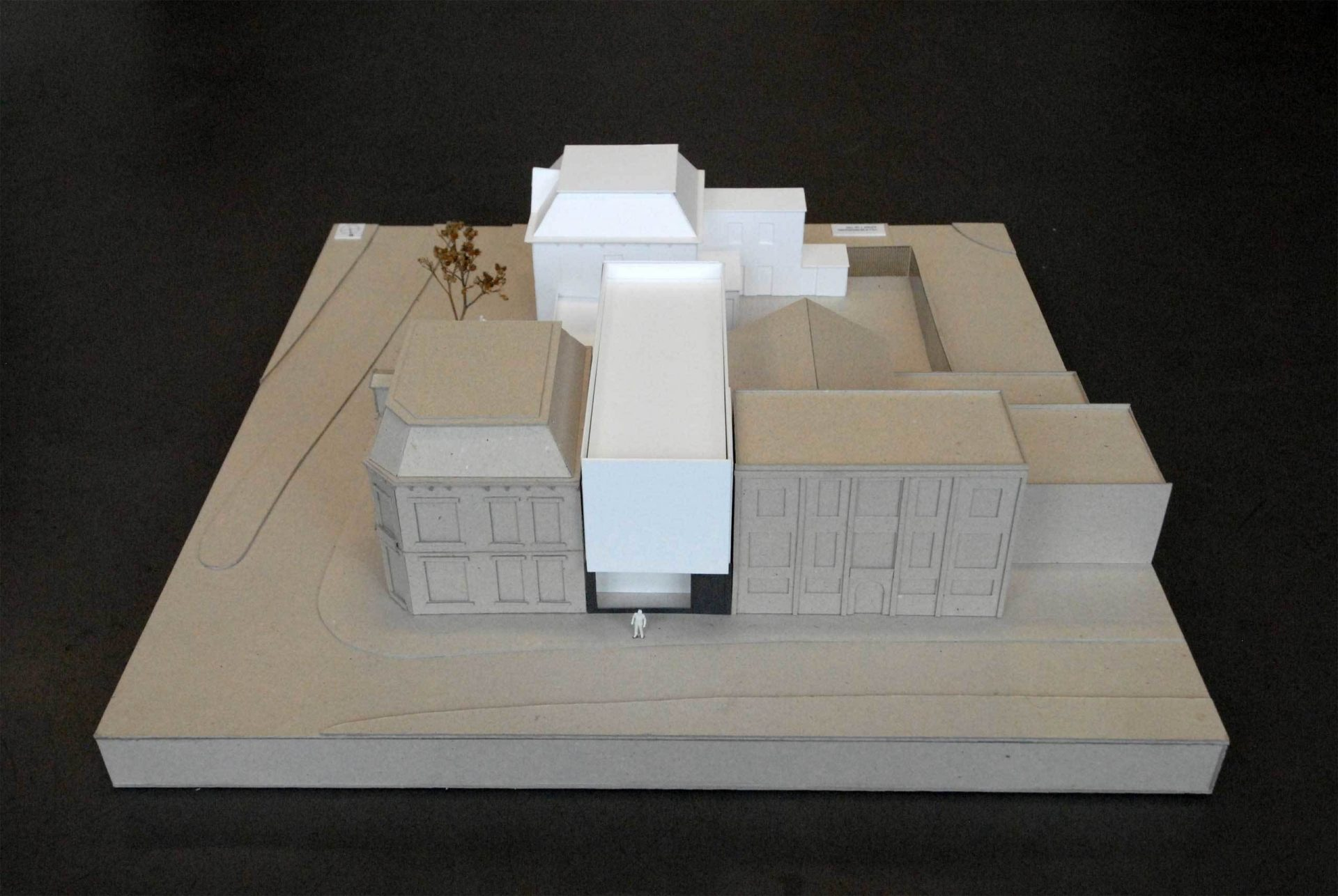 Mondrian Model Front